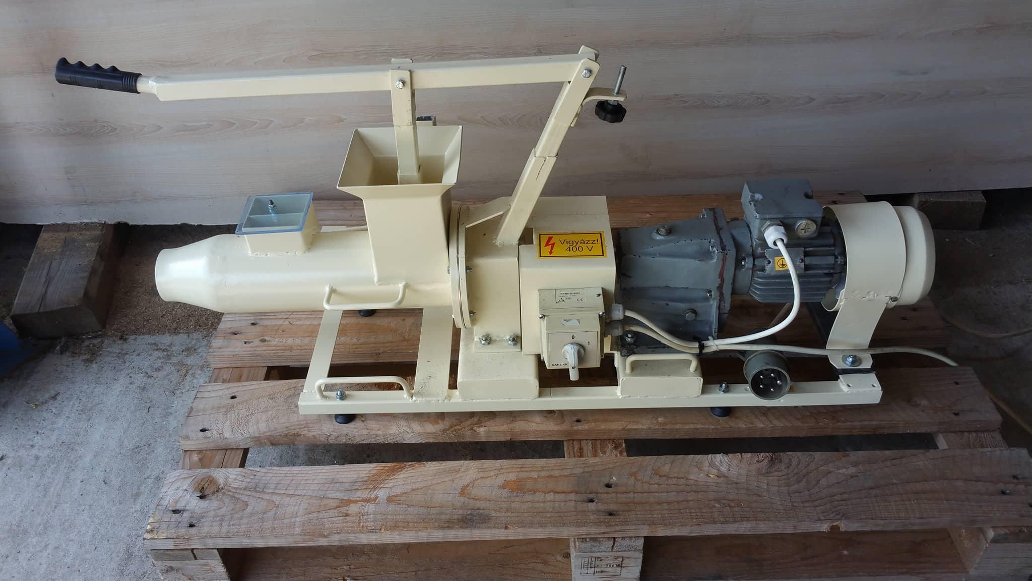 Használt agyag gyúrógép 3jpg