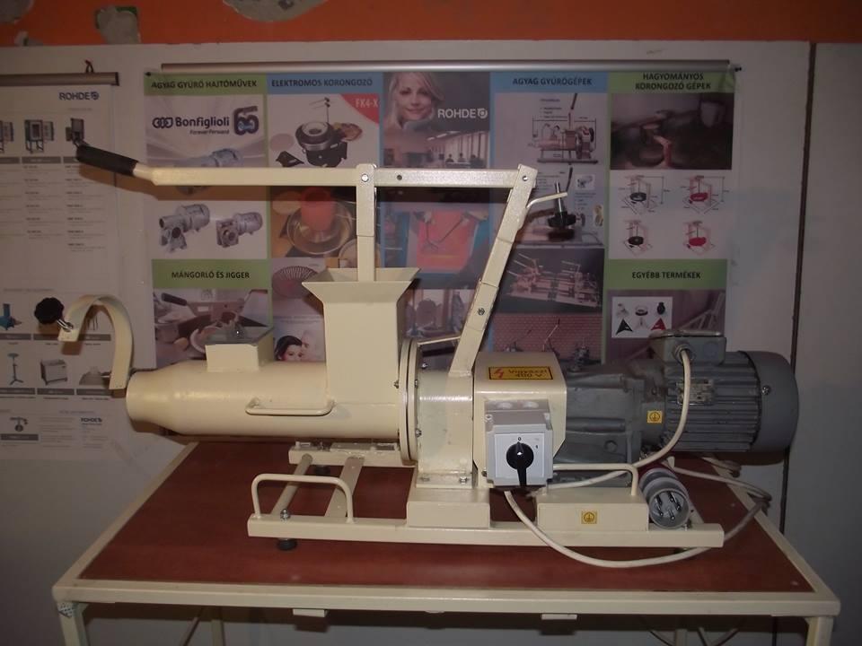 Használt agyag gyúrógép 7 pg